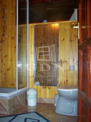 Eladó 6+4 szobás családi ház Székesfehérvár