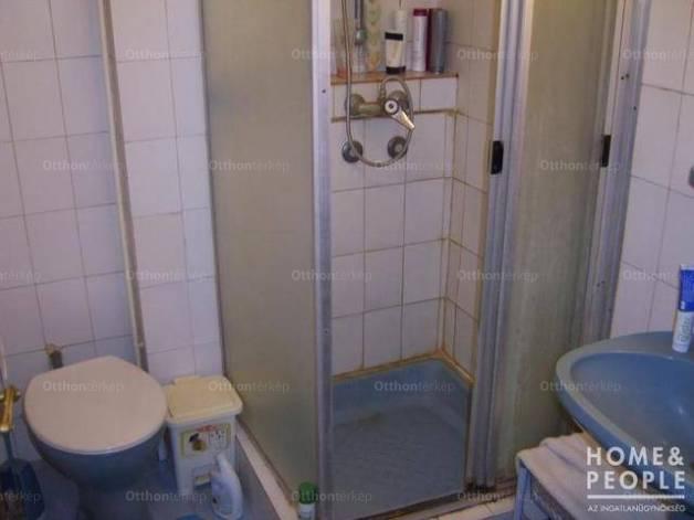 Eladó lakás Szeged, 1+4 szobás