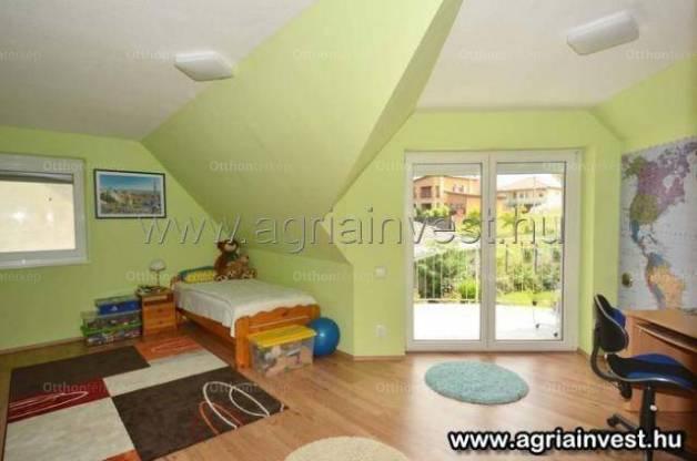 Eger új építésű, 4 szobás