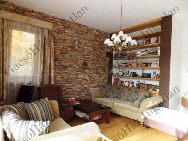 Eladó családi ház Leányfalu, 4+2 szobás