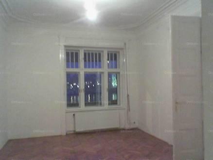 Kiadó lakás Tabánban, a Várkert rakparton 17-ben, 3+1 szobás