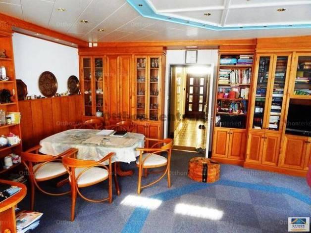 Budapesti ikerház eladó, Budafok, 3+1 szobás