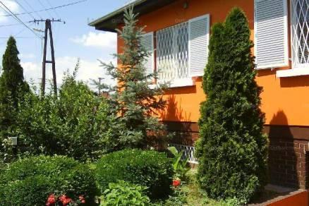 Eladó 6 szobás családi ház Pilis