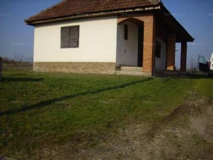Eladó 1 szobás családi ház Pilis