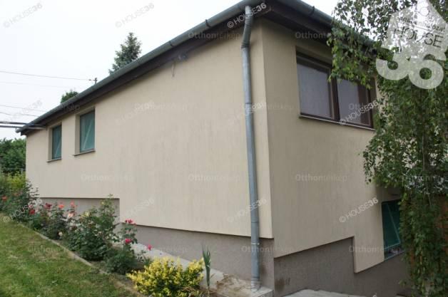 Tiszaugi ház eladó, 170 négyzetméteres
