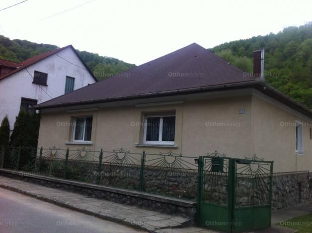 Miskolci eladó ikerház, 2 szobás, Losonczy István utca