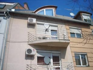 Szolnok 2+1 szobás lakás eladó Szántó körút 79-ben