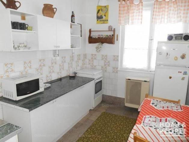 Eladó lakás, Szeged, 2+1 szobás