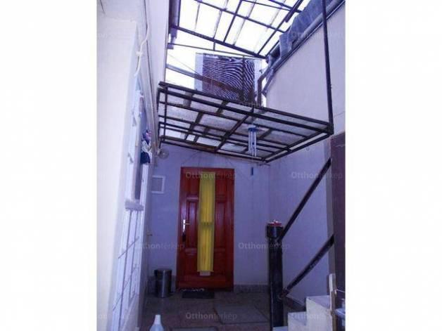 Családi ház eladó Pécs, 74 négyzetméteres