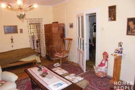 Eladó családi ház, Szeged, 2 szobás
