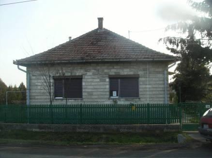 Jászladány 3+1 szobás családi ház eladó Újszászi utca 53-ban