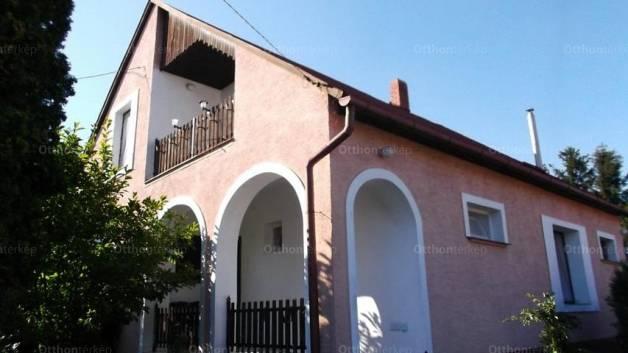 Levéli eladó családi ház, 5 szobás, 180 négyzetméteres