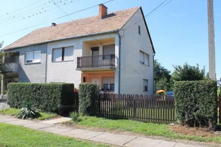 Eladó családi ház, Sellye Váralja utca, 4 szobás