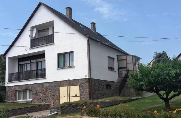 Geresdlak 5 szobás ház eladó a Mohácsi utcában