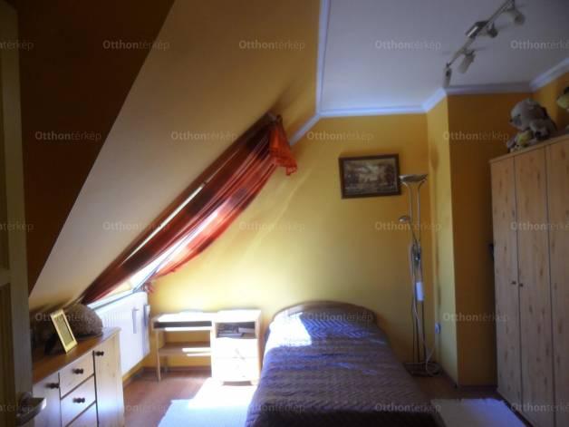 Debrecen lakás eladó, Segner tér, 3+1 szobás