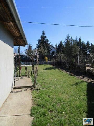 Eladó 2+1 szobás családi ház Debrecen