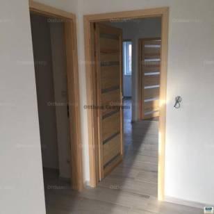 Hajdúszoboszlói eladó lakás, 2+2 szobás, 86 négyzetméteres