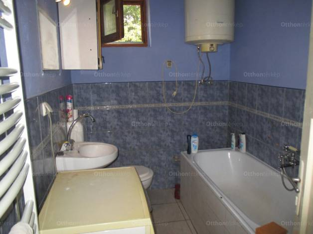 Eladó családi ház Battonya, Fő utca 164/2., 2 szobás