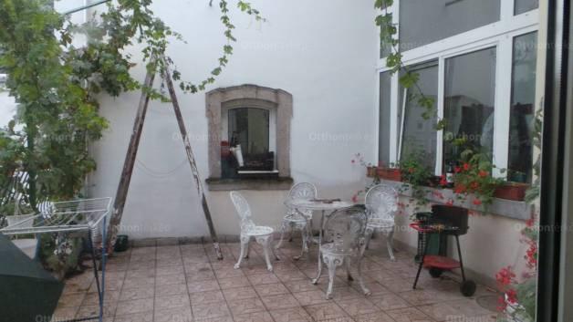 Lakás eladó Eger, 195 négyzetméteres