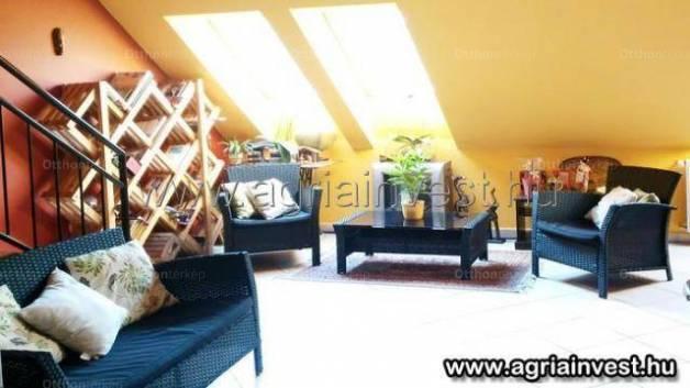 Egeri lakás eladó, 70 négyzetméteres, 2 szobás
