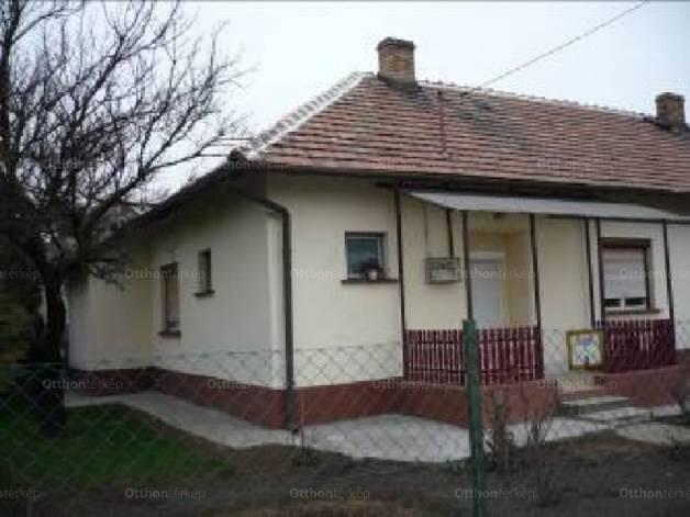 Mezőkeresztes eladó ház a Vasút utcában