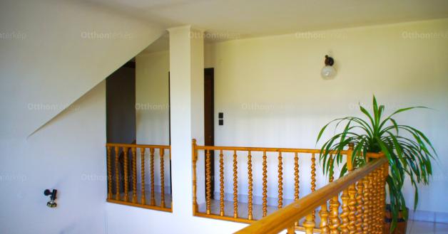 Nagykőrös 4 szobás családi ház eladó a Fogarasi utcában 17-ben