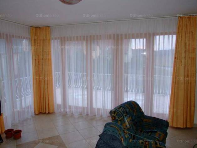 Eladó, Tihany, 6 szobás