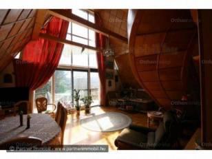 Eladó 2+3 szobás családi ház Nagykovácsi
