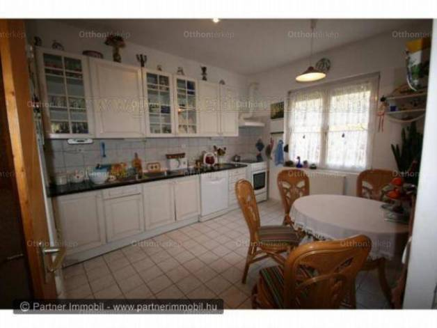 Nagykovácsi eladó családi ház