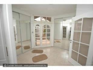 Eladó új építésű családi ház Sashegyen, 7 szobás