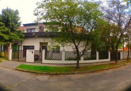 Eladó családi ház Liptáktelepen, Nyerges utca 8-ban, 4+2 szobás