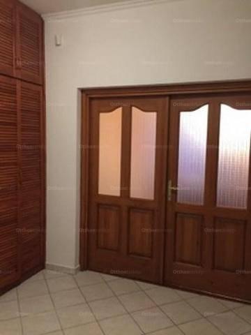 Veresegyházi családi ház eladó, 317 négyzetméteres, 6 szobás