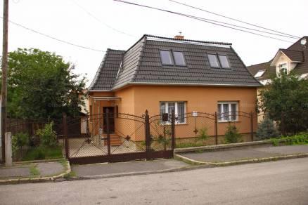 Budapesti családi ház eladó, Felsőrákoson, Dorogi utca, 2 szobás