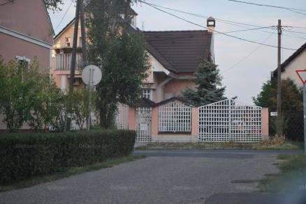 Szolnok 4+2 szobás családi ház eladó Bimbó utca 45-ben