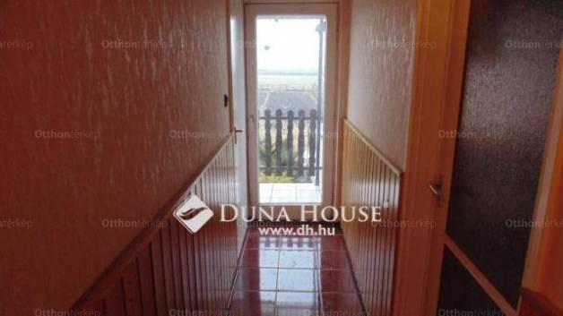 Mocsa 4 szobás ikerház eladó a Jókai Mór utcában