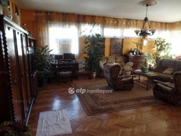 Eladó, Miskolc, 2 szobás
