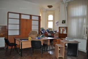Dunakeszi eladó ház, 6 szobás, 175 négyzetméteres