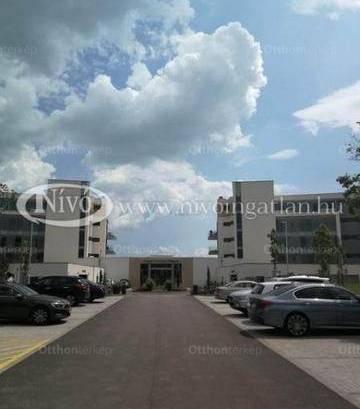 Balatonfüredi eladó lakás, 3+1 szobás, 72 négyzetméteres