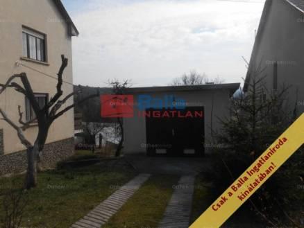 Ház eladó Salgótarján, a Kővirág utcában, 150 négyzetméteres