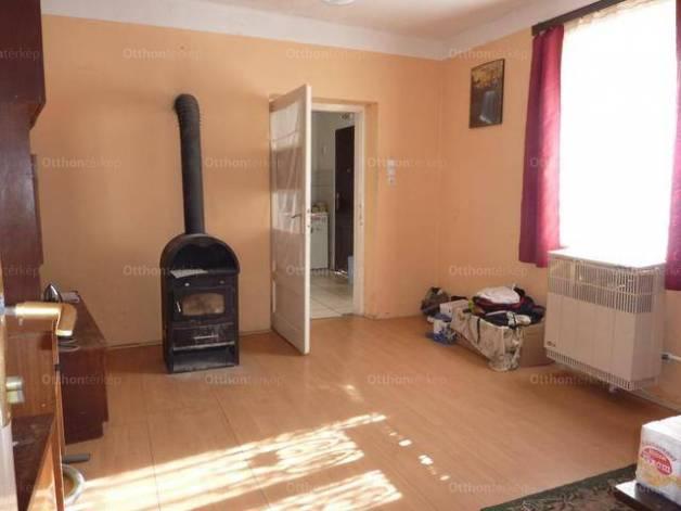 Családi ház eladó Egerbakta, 105 négyzetméteres