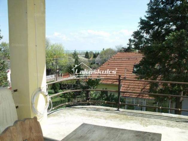 Balatonalmádi családi ház eladó, 6+6 szobás