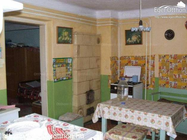Egeri családi ház eladó, 90 négyzetméteres, 2 szobás