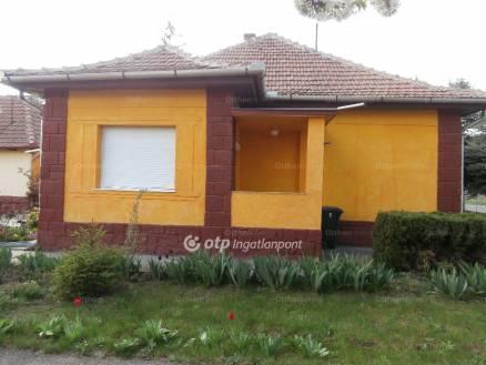Eladó ház Halmajugra, 2 szobás