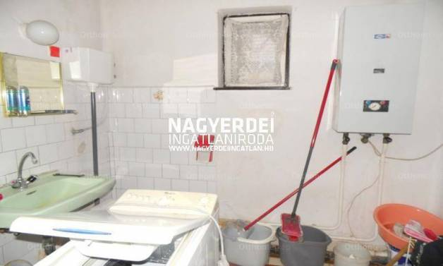 Debreceni eladó családi ház, 2 szobás, 65 négyzetméteres
