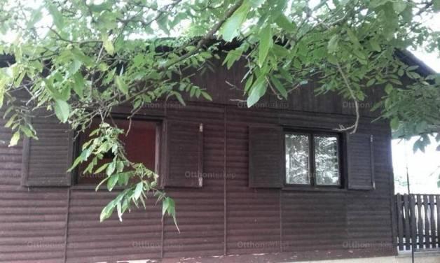 Albertirsai eladó nyaraló, 2 szobás, 38 négyzetméteres