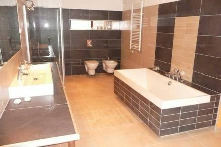 Budapest 3+2 szobás lakás eladó