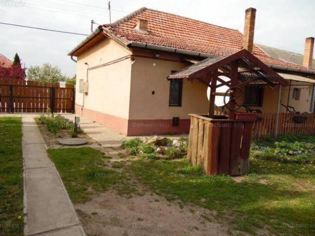 Eladó 3 szobás családi ház Csanytelek a Botond utcában