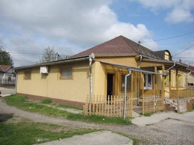 Tápiószentmárton eladó családi ház