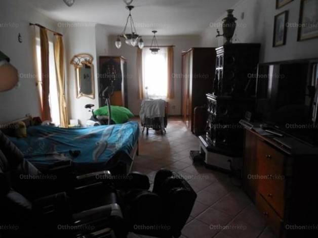 Sóskút lakás kiadó, 4 szobás