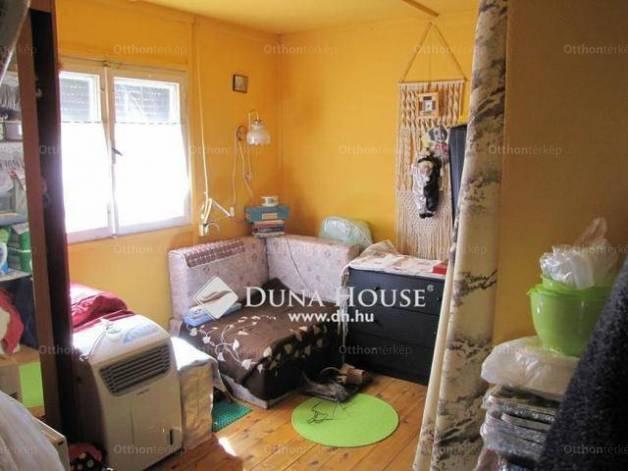 Dunaalmási családi ház eladó, 37 négyzetméteres, 1+1 szobás